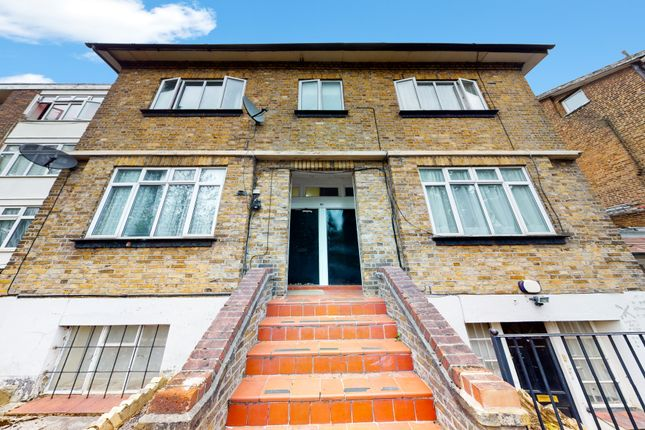 Thumbnail Studio to rent in Jasmine Grove, London