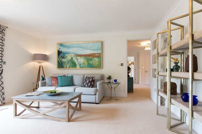 Living Room of Cooper's Hill Lane, Englefield Green TW20