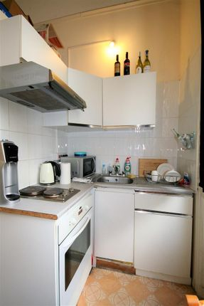 Double Bedsit - Private Kitchen