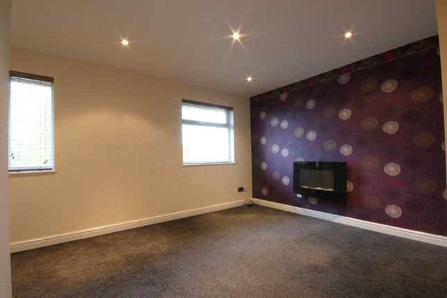 Thumbnail Flat to rent in Hollingbourne Road, Crossgates, Leeds