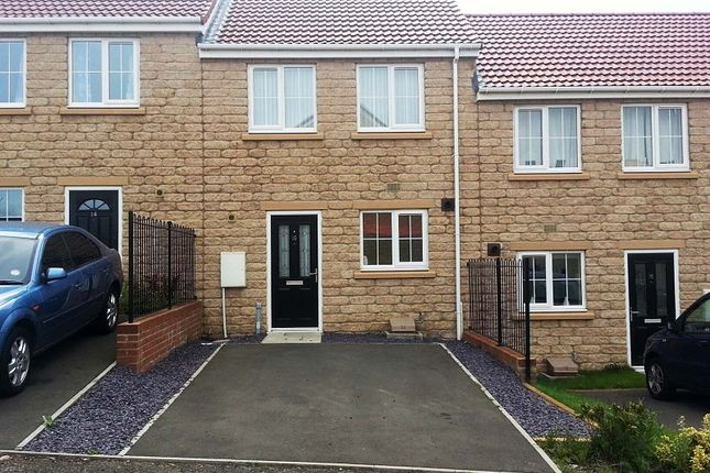 Thumbnail Terraced house to rent in Oxford Place, Moorside