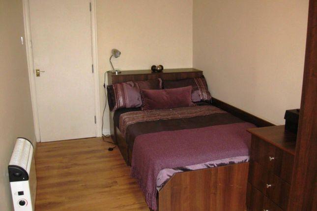 Bedroom of Flat 7, 18 St Johns Terrace, University LS3