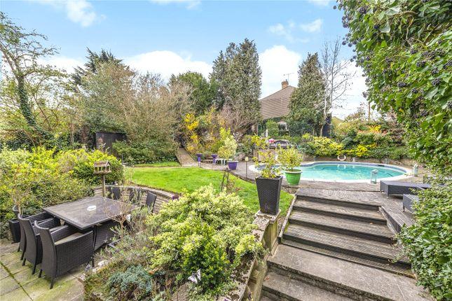 Garden Pool: Cr2 of Elmfield Way, Sanderstead CR2