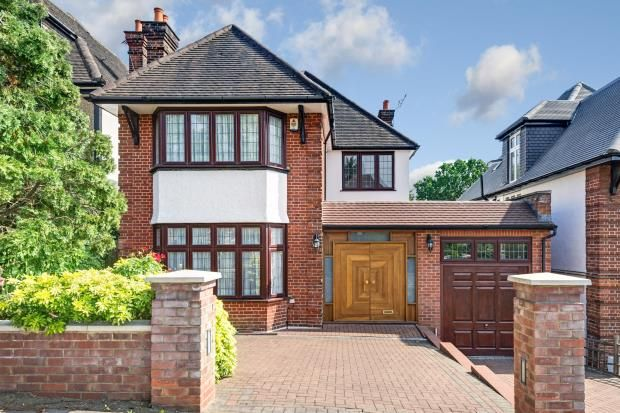 Thumbnail Detached house for sale in Armitage Road, Golders Green, London