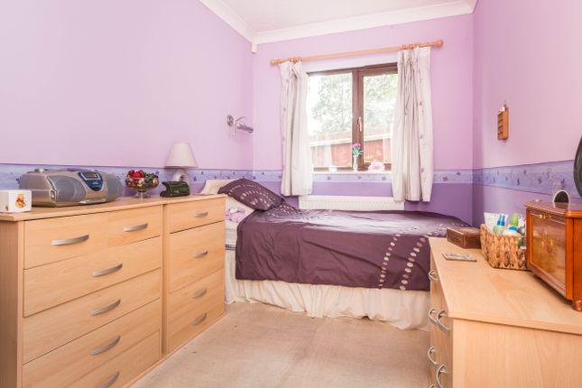 Annexe Bedroom of Waterloo Way, Irthlingborough, Wellingborough NN9
