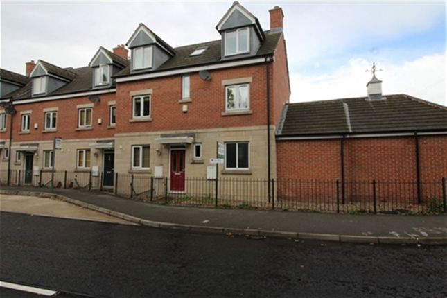 Thumbnail Property to rent in Brookfield Mews, Chatsworth Road, Chesterfield, Derbyshire