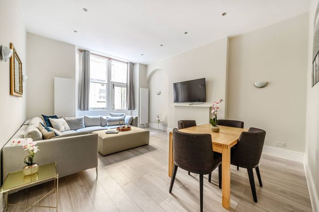 3 bed flat for sale in Cadogan Square, Knightsbridge, London SW1X