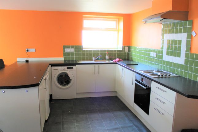 Thumbnail Flat to rent in Greenswood Road, Brixham