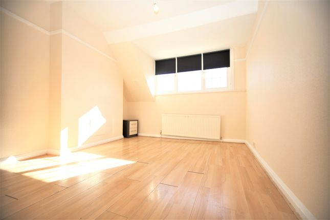 Thumbnail Flat to rent in Finchley Lane, Hendon