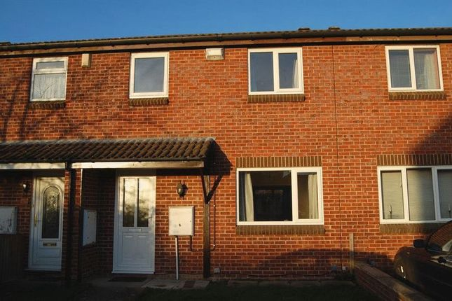 Thumbnail Shared accommodation to rent in Gristmill Close, Cheltenham