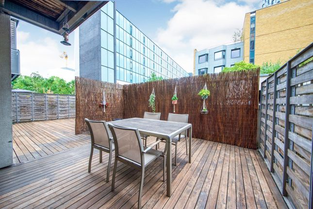 Terrace of 1 Assam Street, London E1