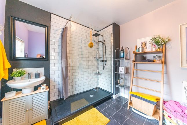 Shower Room of Hafod Tudor Terrace, Wattsville, Cross Keys, Newport. NP11