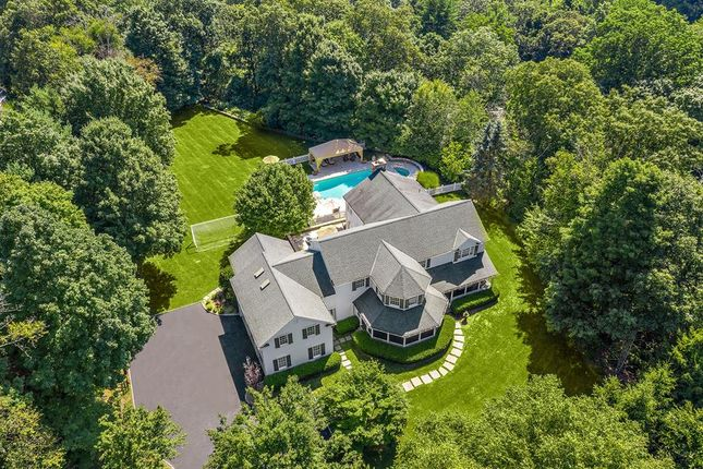 Thumbnail Property for sale in 1 Ridgeview Drive, Armonk, New York, United States Of America