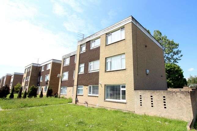 Thumbnail Flat for sale in Freshwater Drive, Hamworthy, Poole