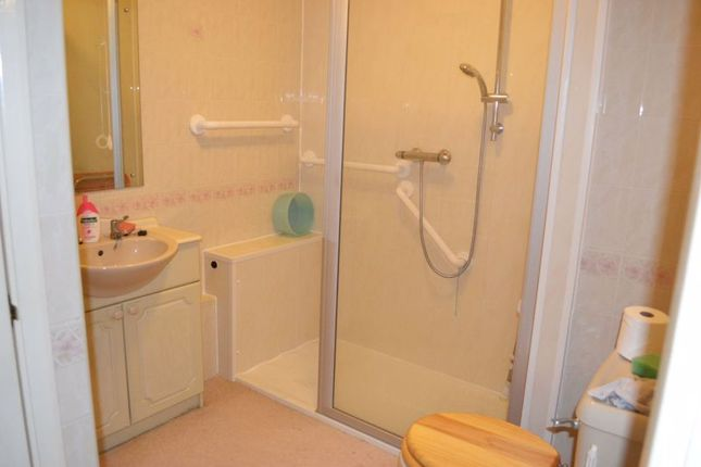 Shower Room of Albion Place, Northampton NN1