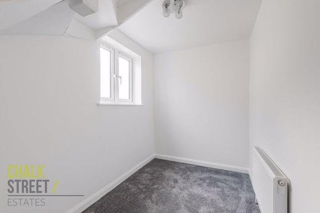 Photo 17 of Parkside Avenue, Romford RM1