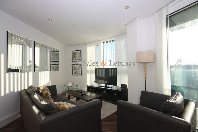 Thumbnail Flat to rent in Altitude Point, Aldgate, London