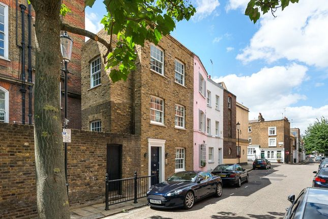 3 bed end terrace house for sale in Pond Place, Chelsea, London