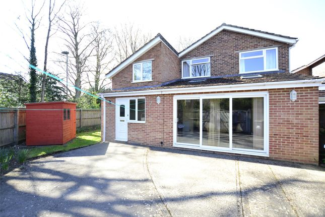 Thumbnail Link-detached house for sale in Farmers Close, Witney, Oxfordshire