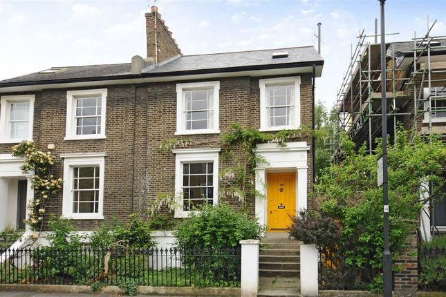 4 bed property for sale in Hartington Road, London