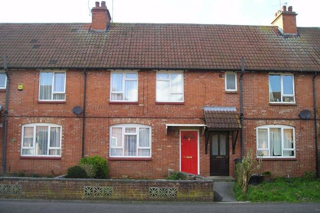 3 bed property to rent in Longcroft Avenue, Devizes, Wiltshire SN10