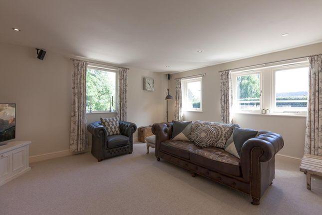 Lounge of Monyash Road, Bakewell DE45
