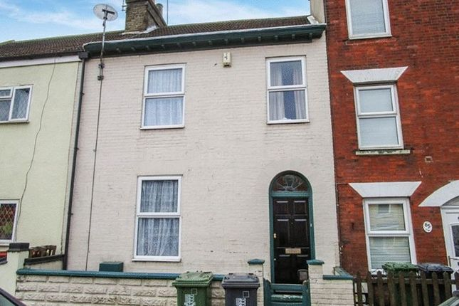 Thumbnail Terraced house to rent in St. Peters Road, Great Yarmouth