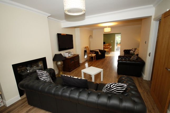 Thumbnail Semi-detached house to rent in Hambro Avenue, Bromley
