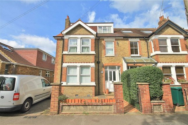 Thumbnail Flat to rent in Parkland Grove, Ashford, Middlesex