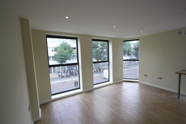 Thumbnail Flat to rent in Lower Road, Surrey Quays, London