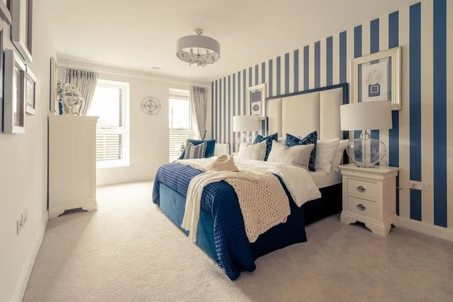 Thumbnail Flat for sale in Goldfinch House, Outwood Lane, Coulsdon