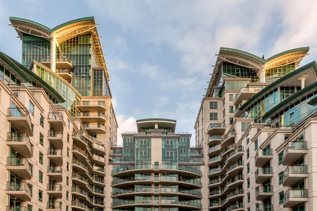 Picture No. 04 of Drake House, St George Wharf, Vauxhall, London SW8