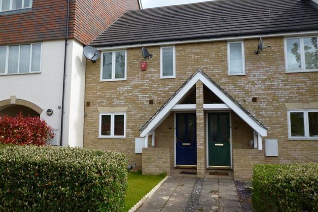 Thumbnail Property to rent in Oakey Drive, Wokingham