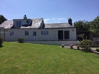 Country house for sale in Cross Inn, New Quay