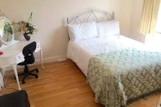 Room to rent in Jersey Road, Osterley