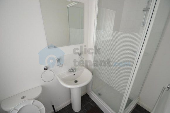 Thumbnail Shared accommodation to rent in Chepstow Road, Newport, Newport