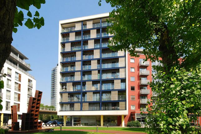 Thumbnail Flat for sale in California Building, Deals Gateway, Lewisham