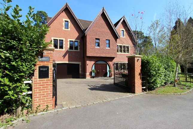 Thumbnail Detached house to rent in Sandy Lane, Kingswood, Tadworth