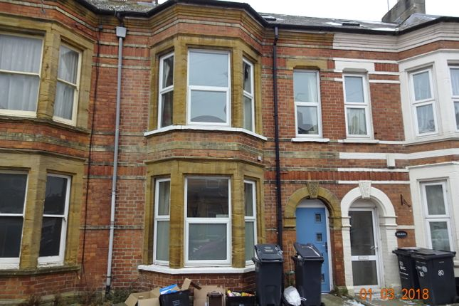 Thumbnail Flat to rent in Earle Street, Yeovil