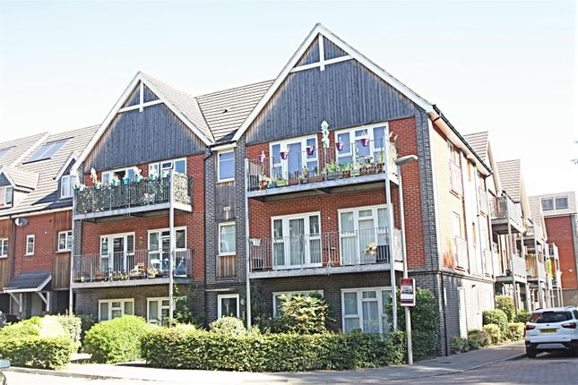 Thumbnail Flat for sale in Fulmer House, Millward Drive, Bletchley, Milton Keynes