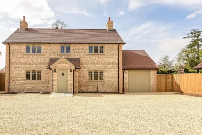 Thumbnail Detached house for sale in Stone House, Peppard Common