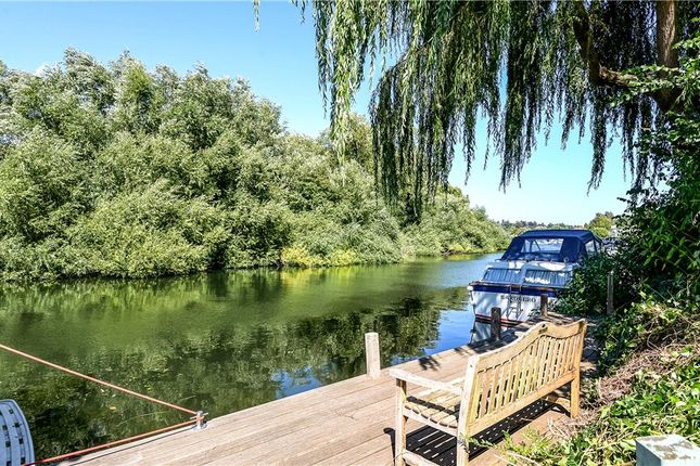 Thumbnail Detached house for sale in Frogmill, Hurley, Maidenhead