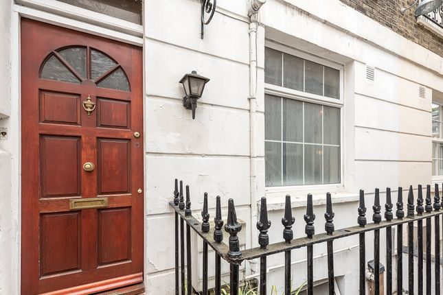 Thumbnail Town house for sale in St Vincent Street, London
