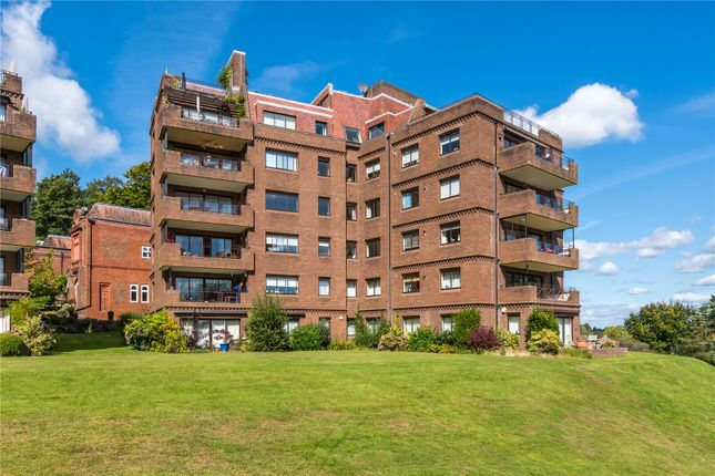 3 bed flat for sale in Cedar Lodge, Lythe Hill Park, Haslemere, Surrey GU27