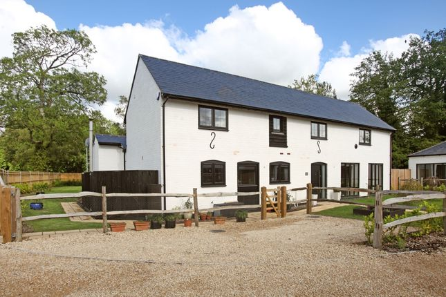 Thumbnail Barn conversion to rent in Grazeley Green Road, Grazeley, Reading