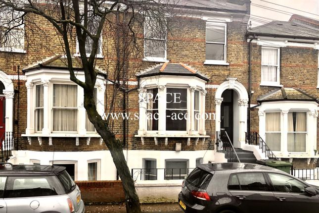 2 bed flat to rent in Drakefell Road, London SE4