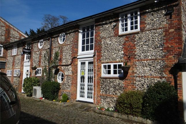 Thumbnail Commercial property to let in Flint Barn Court, Church Street, Old Amersham, Buckinghamshire