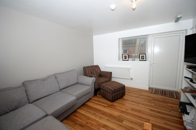 Thumbnail Flat to rent in Crescent Avenue, Coventry, West Midlands