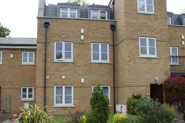 Thumbnail Flat to rent in Fontaine Court, High Street, Southgate