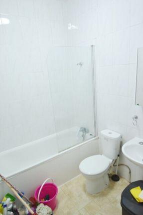 Bathroom of N8, Turnpike Lane, - 3 Bedroom Flat